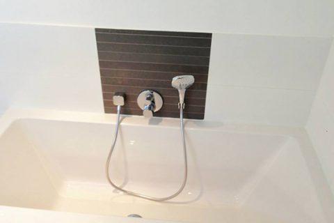 Badkamer bruin tegelwerk