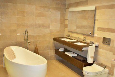 Sanitair En Tegels : Tegels sanitair u badkamer installatiebedrijf