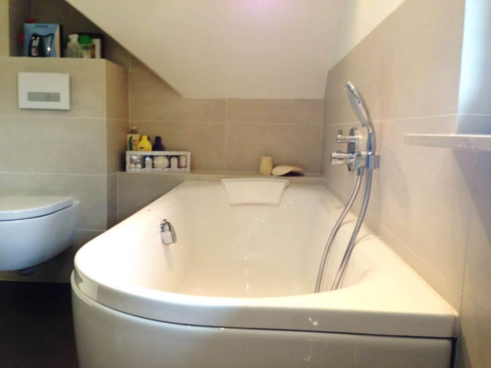 Badkamer Mozaiek Tegels : Badkamer beige mozaiek u tegels sanitair
