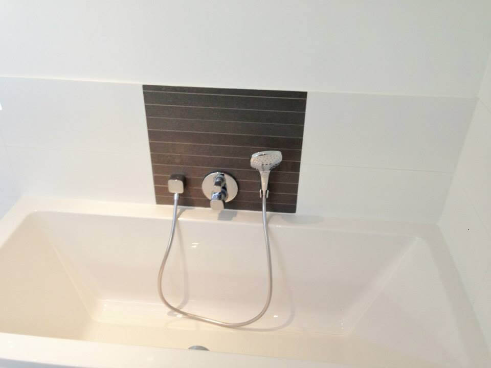 Badkamer Tegels Bruin : Badkamer bruin tegelwerk u2013 tegels sanitair